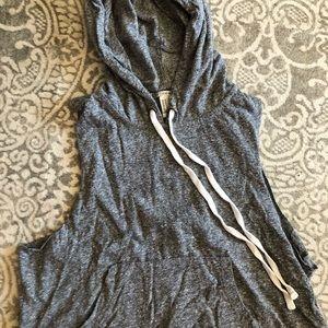 H&M cropped vest medium